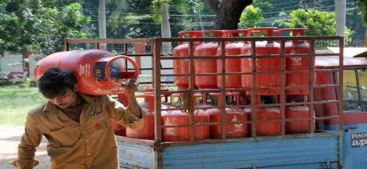 You will need OTP for home delivery of LPG Cylinder from Nov 1st: All Details here