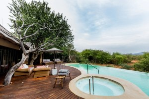 Metsi Presidential Suite pool at Molori Safari Lodge , South Africa