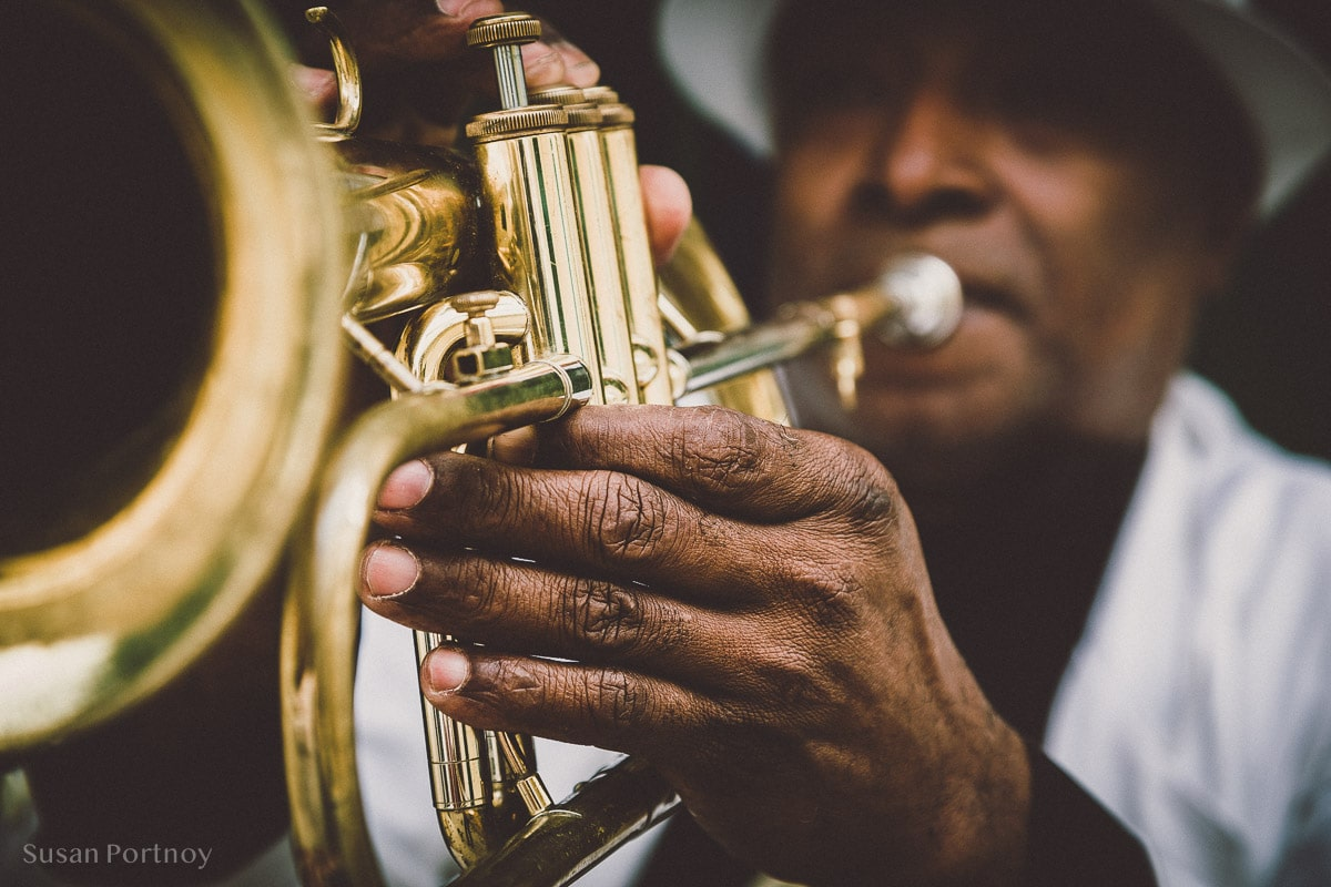 Man plays trumpet in Havana