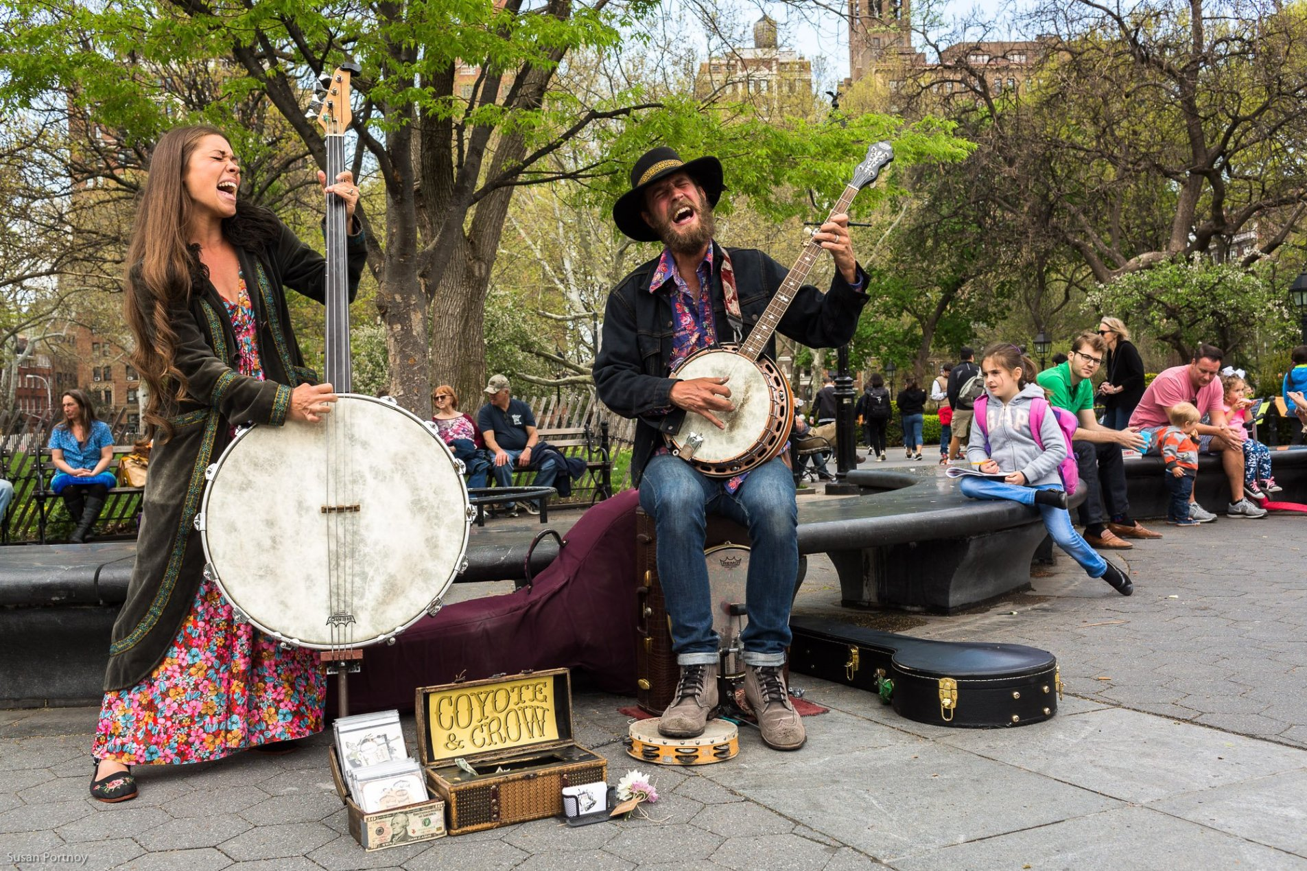 Coyote_and_Crow_playing in Washington Square Park