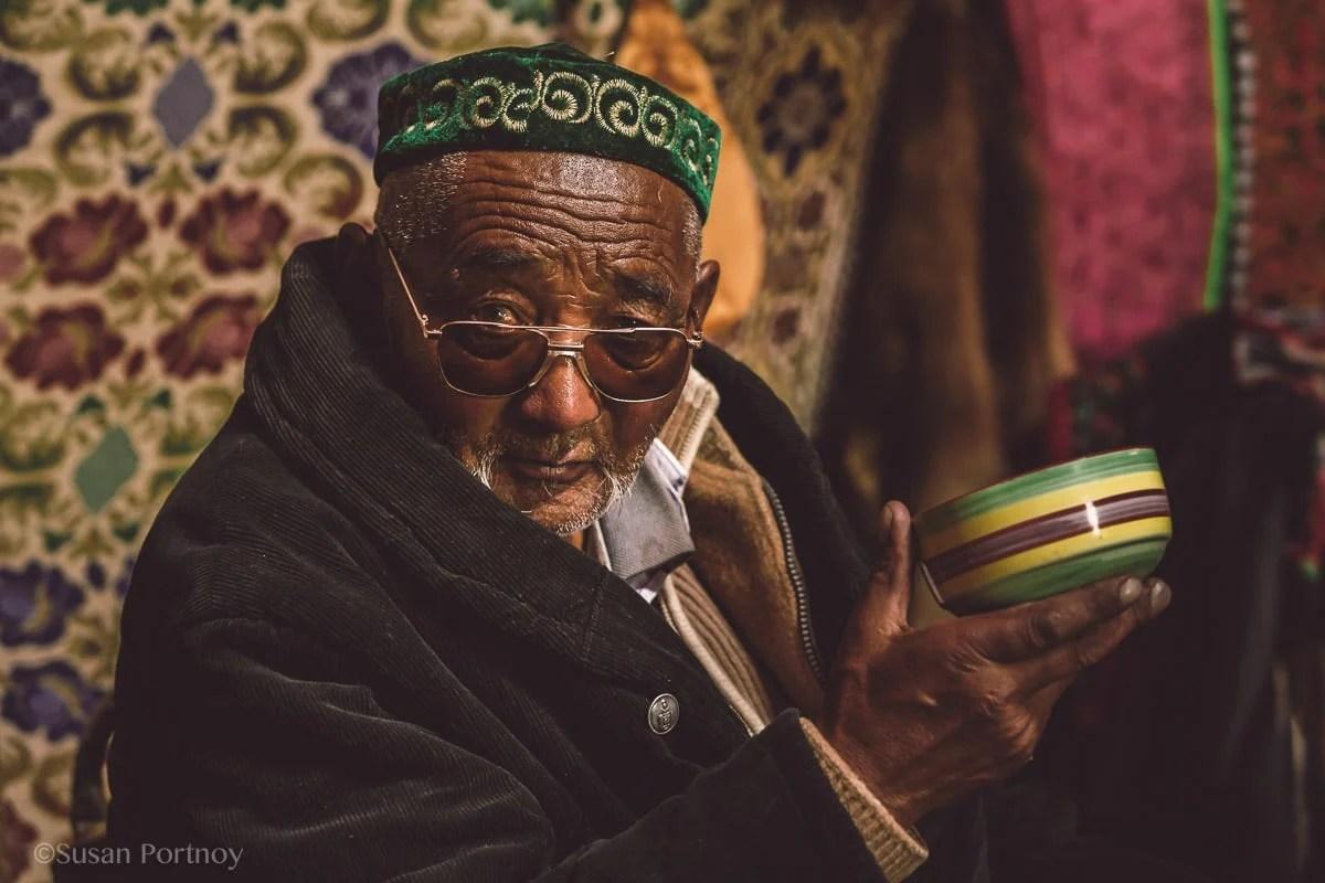 photographing-kazakh-nomads-in-mongolia-