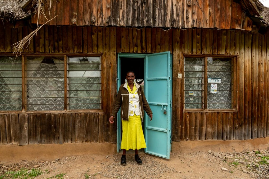Annah at at the Nanyuki Weavers & Spinners - - How to Experience More Beyond Kenya's Big Five - How to Experience More Beyond Kenya's Big Five -7729