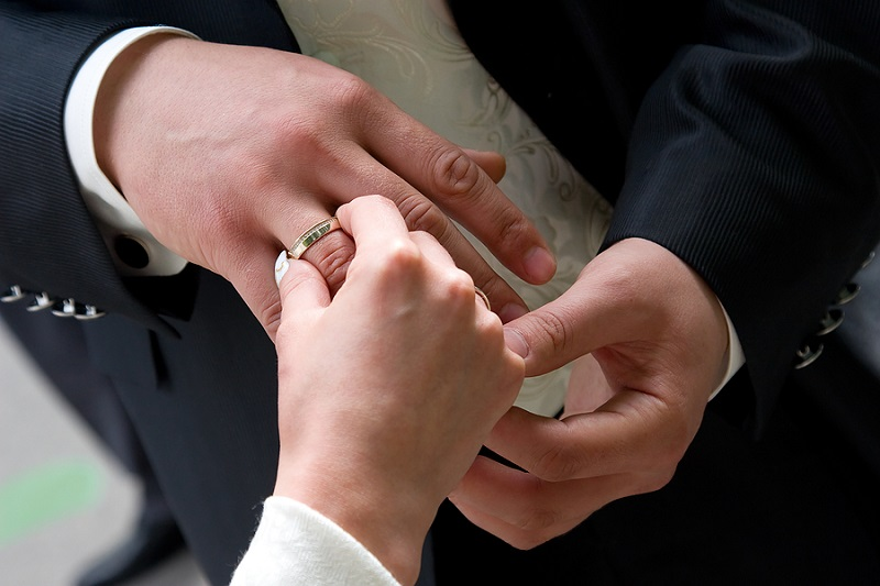 Tips for Choosing Perfect Men's Wedding Bands