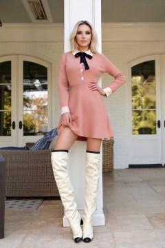 Katya Bakat sensational picture in a pink dress