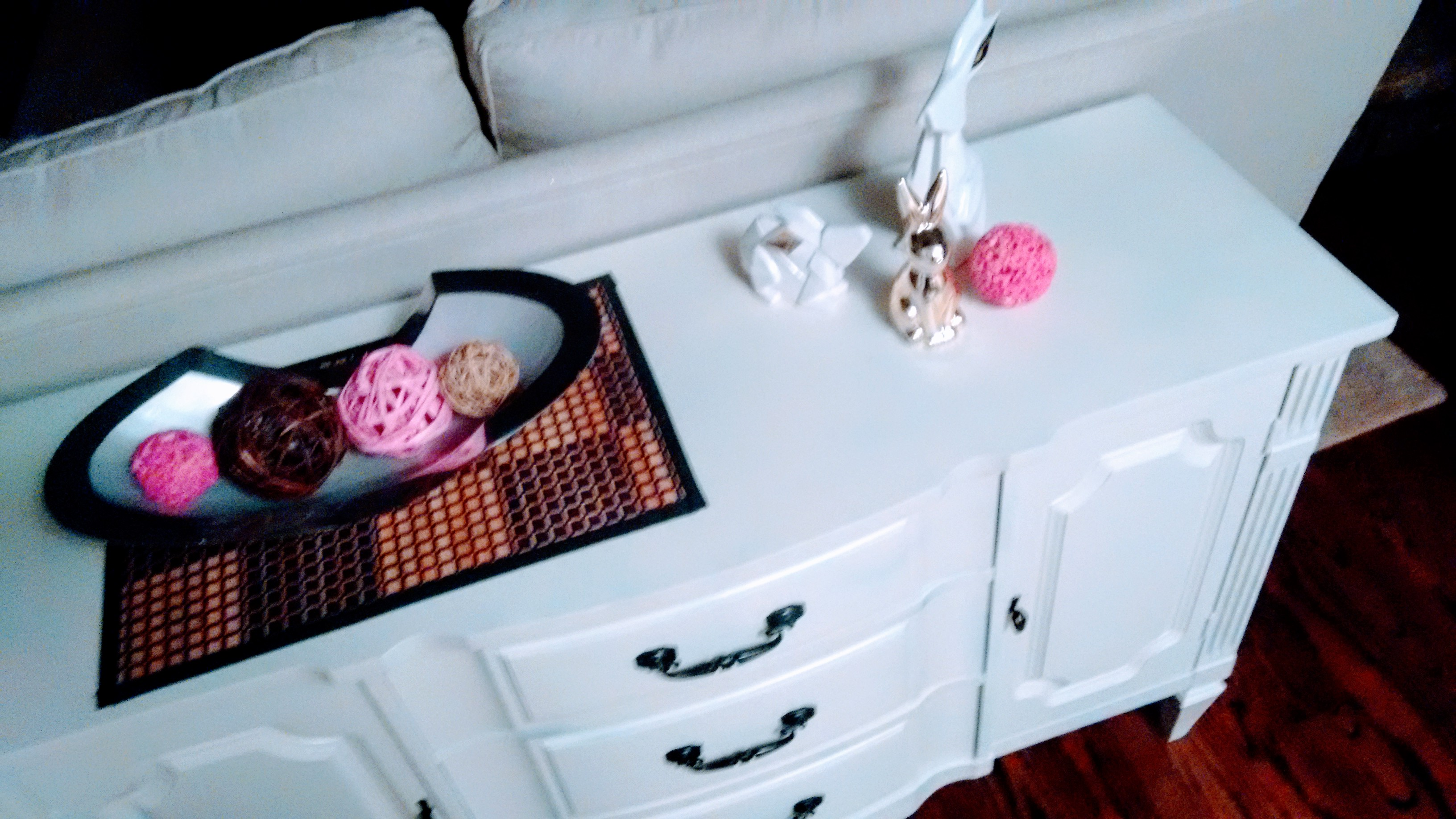 pink and white sofa table