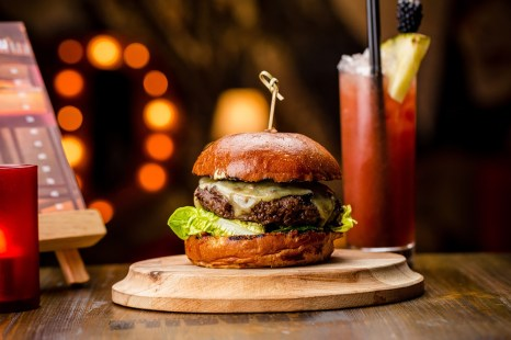 dustys_wagyu-burger-2
