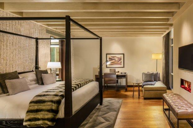 3_Bedroom_Ski_Chalet_Master_Bedroom