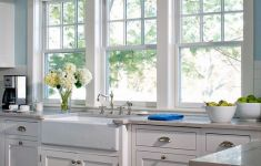 Cozy Kitchen Windows That No One Can Resist Them