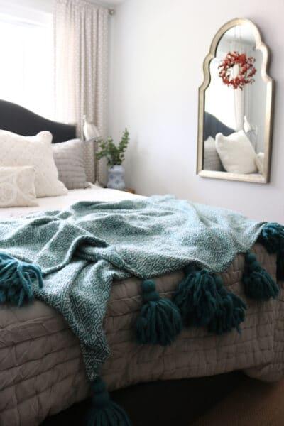 the-inspired-room-guest-room-tassel-throw-blanket