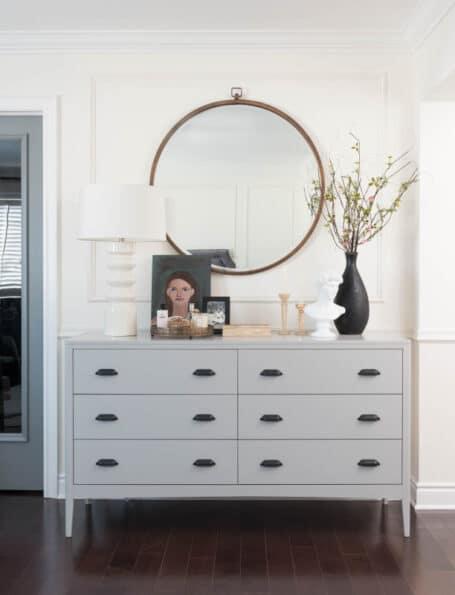 round-mirror-over-dresser