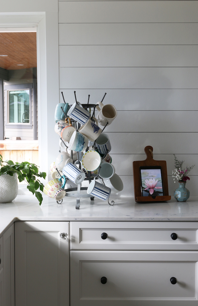 How to Mix  Match Kitchen Hardware Finishes  Styles