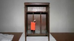 exhibit-book-case-2