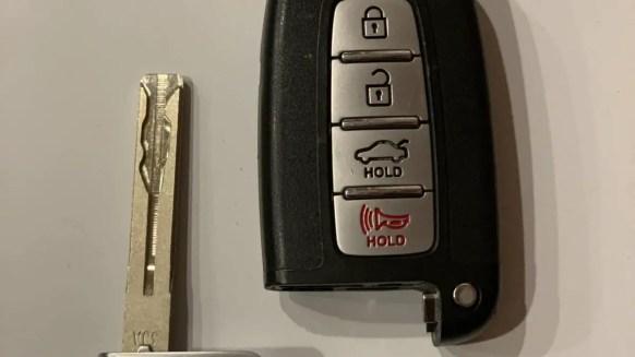 Hyundai Key Fob With Key