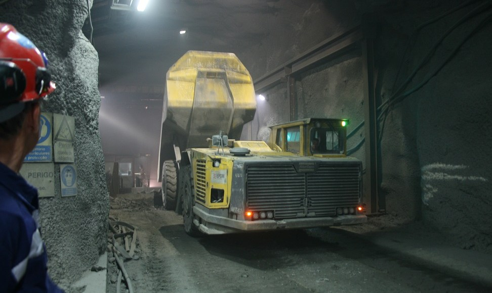 While the technologies required to power underground mining vehicles using hydrogen fuel cells have been proven, they are not yet commercially available