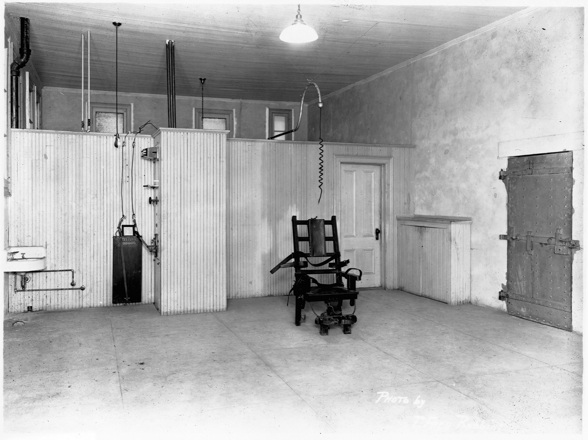 electric chair execution gone wrong posture ball arkansas plans to execute seven people this month