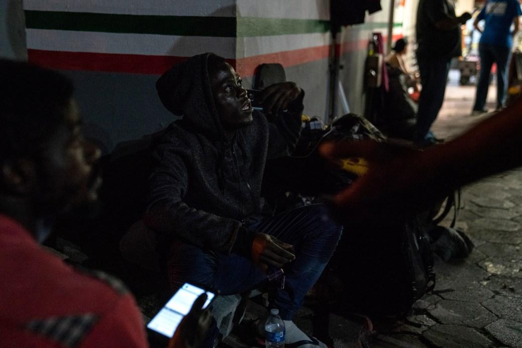 Ngomeioh, from Cameroon, waits to seek asylum in the U.S. near the Gateway International Bridge in Matamoros, Tamaulipas on Nov. 5, 2018. Photo: Verónica G. Cárdenas for The Intercept
