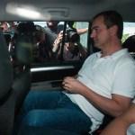 Um dia após ser preso, Joesley Batista deixa sede da Polícia Federal em São Paulo rumo a Brasília.