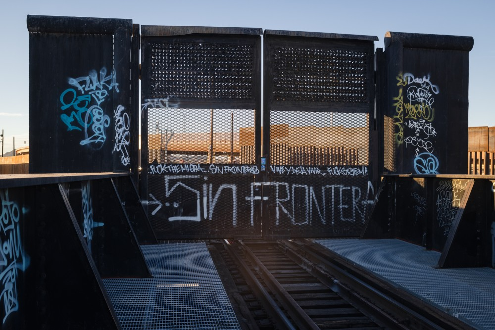 Sin Frontera spray painted on the railroad bridge between El Paso, Texas and Ciudad Juárez, Mexico. October 29, 2020.