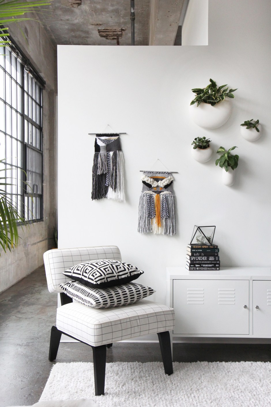 ADD TEXTURE TO YOUR WALLS WITH DECORATIVE WALL HANGINGS | You could even combine them with a woven textured wall hanging or two, which offers tactile textural interest.
