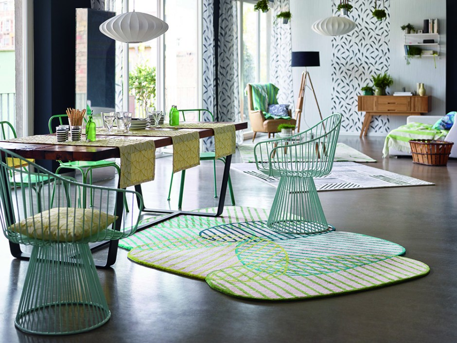 How To Use Neo Mint - The Colour of 2020 - Neo Mint inspired rug set in a contemporary dining room.