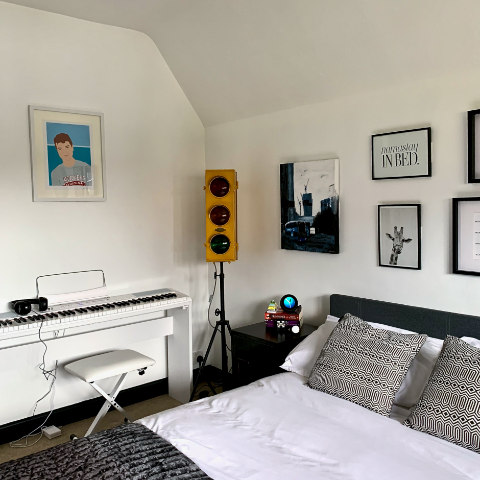 Teen's Monochrome Budget Lockdown Bedroom