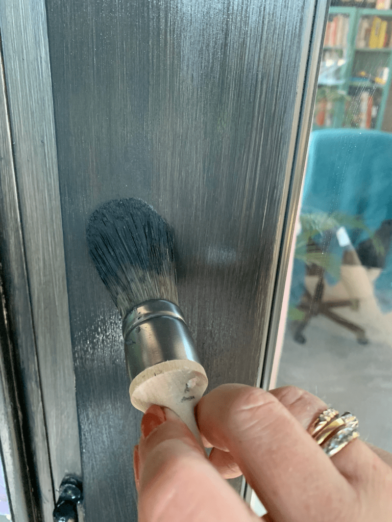 How To Paint UPVC doors easily with Frenchic Paint. Inside or outdoors you can transform your UPVC doors easily with Frenchic Paint