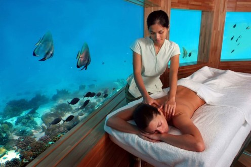"""Experience massage on a whole new levellying face up """"on the water, under the water"""". An unrivalled treatment for comfort andrelaxation; the body is embraced and lifted byheated Hydrotherm water cushions"""