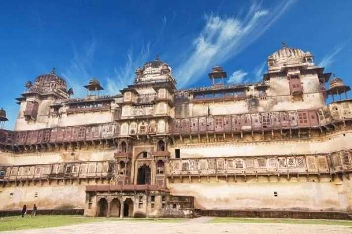 The popular Jehangir Mahal in Orchha