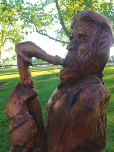 Wood carvings can be seen all over Storm Lake and most of all, on it's shores. Storm Lake has a long and proud tradition of public art and supporting hard working sculptors and artists. Team Goodving will always have a gravitational pull to public art of any kind.