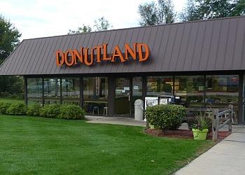 Donutland-CedarRapids-IA