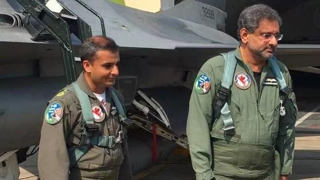 Shahid Khaqan Abbasi fly F16 (5)