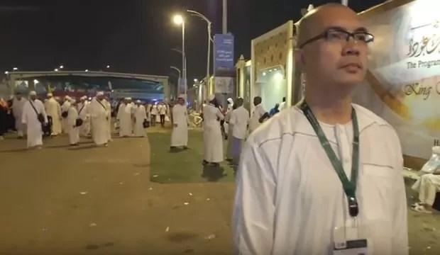 Christian Performs Hajj