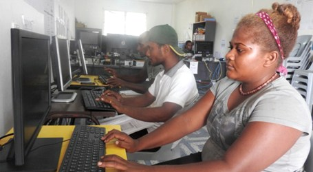 Auki youths in computer training