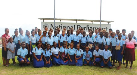 Students acknowledge parliament for information sharing