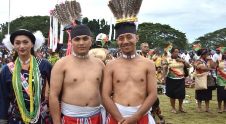 Paiwan tribe showcase traditional costume MACFest