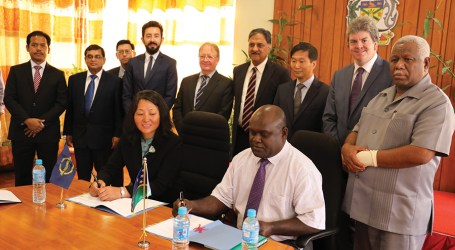 PM Hou acknowledges signing of ADB's transport projects