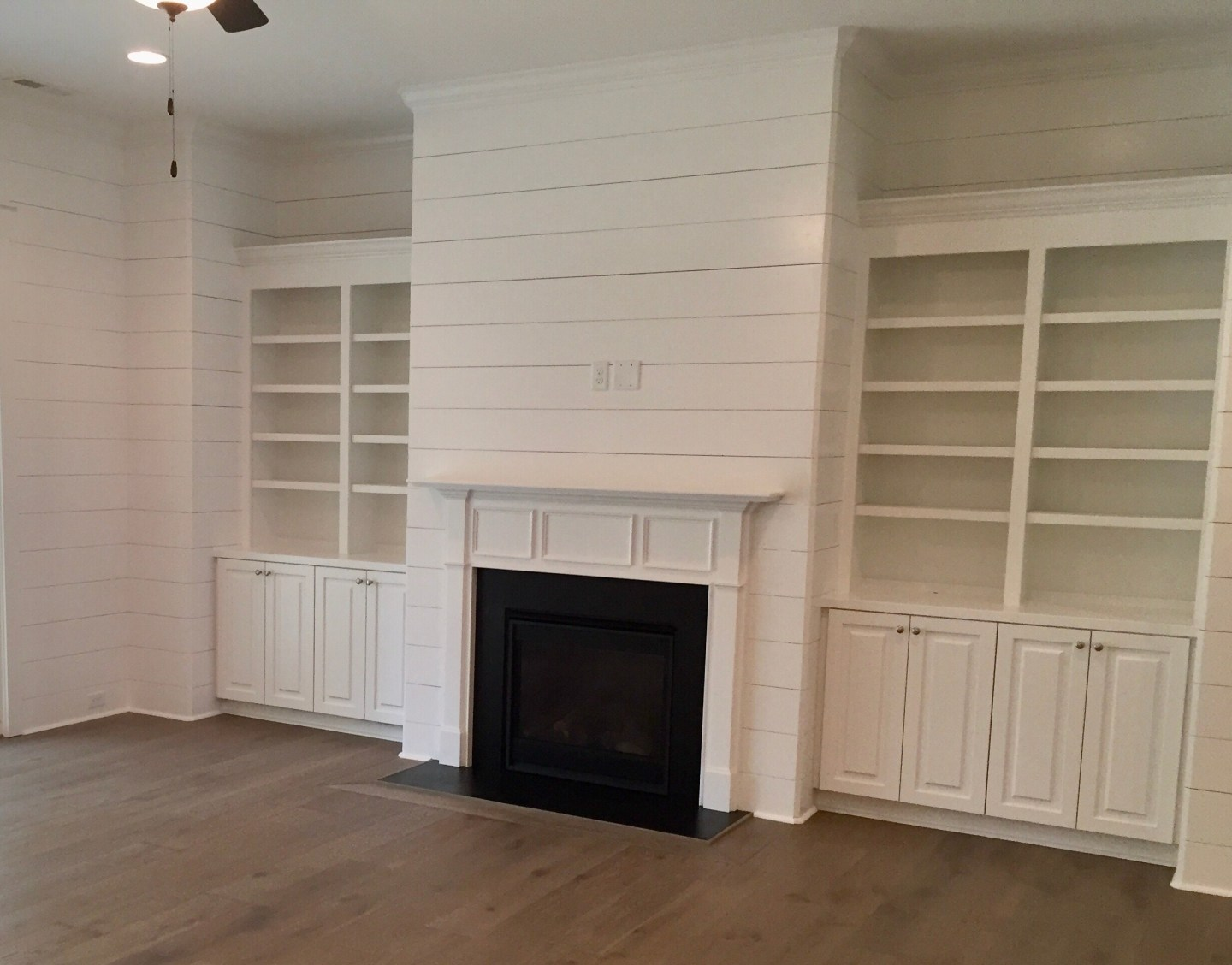 Living room with floor to ceiling shiplap