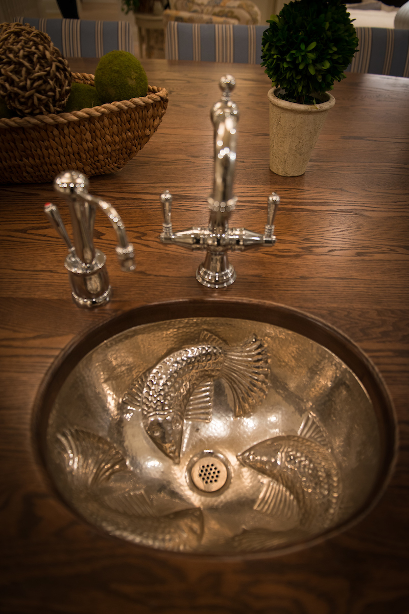 Silver Fish Sink