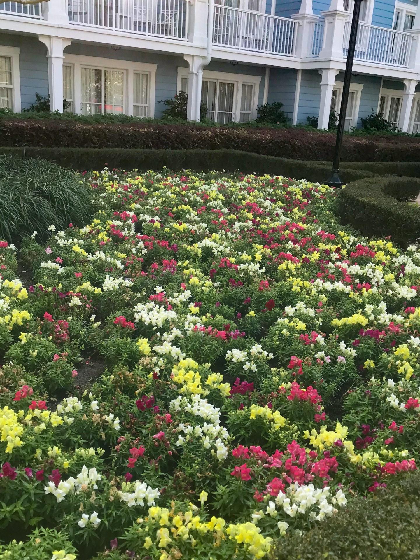 layered-flowers-red-yellow-white