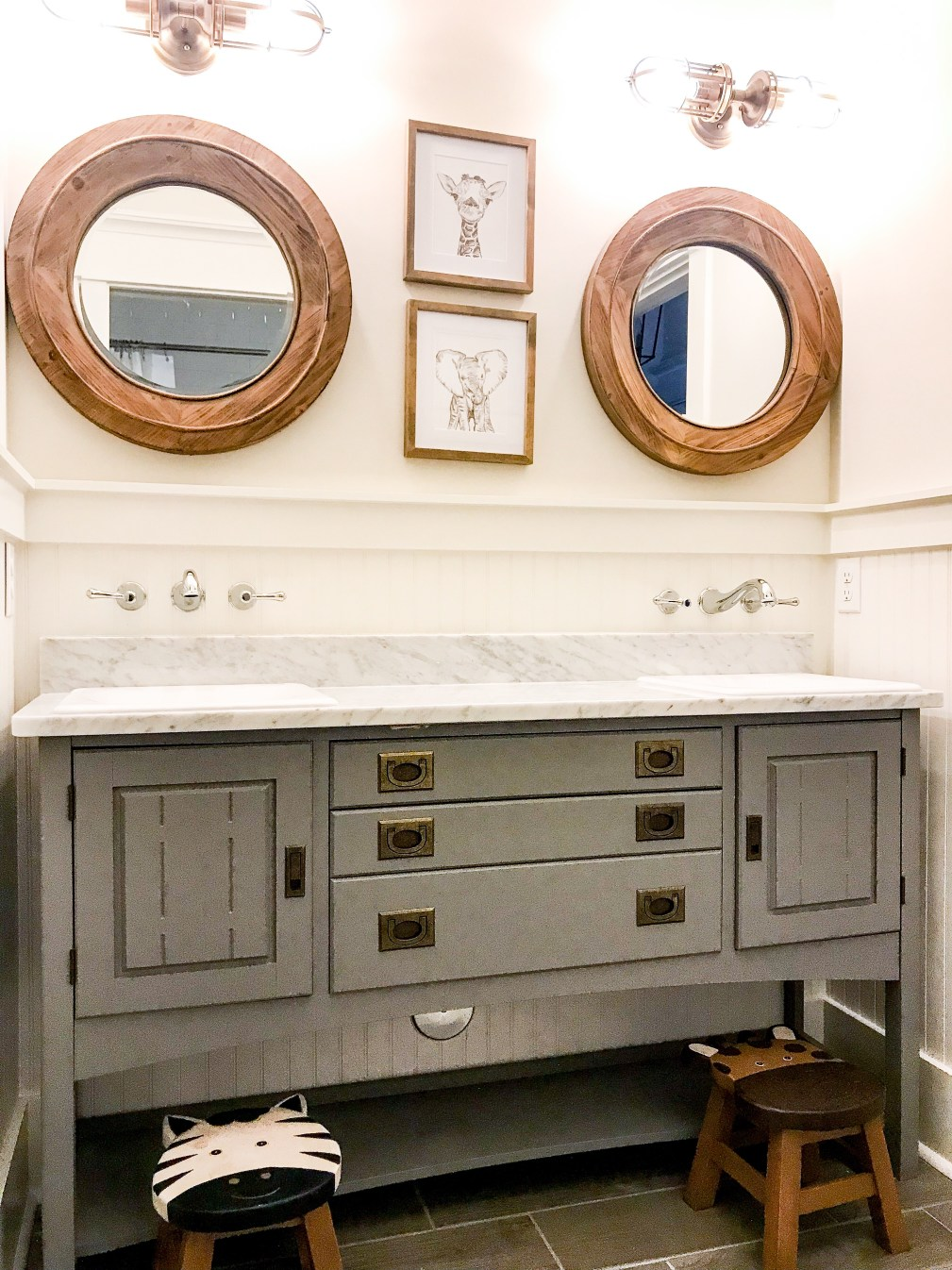 kids-bathroom-painted-vanity