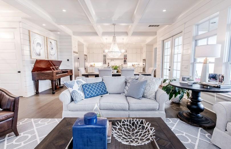 the-isle-home-living-room-diy