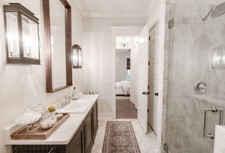 guest bathroom details