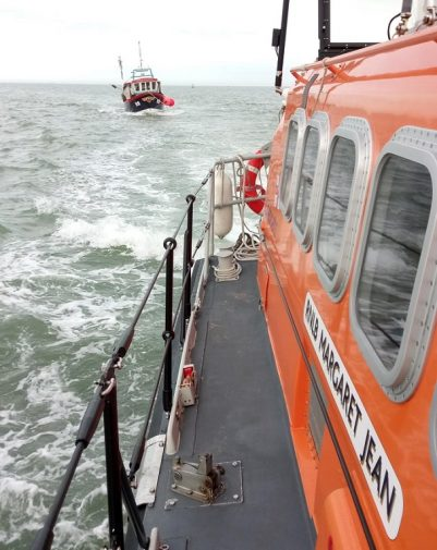 Margate RNLI lifeboat towing the disabled fishing vessel to Ramsgate (RN… (002)