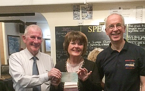 Brian Ellner and Phil Gore from Margate RNLI receive the cheque from Les…