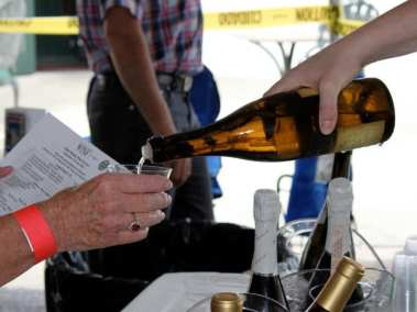 wine-tasting-05