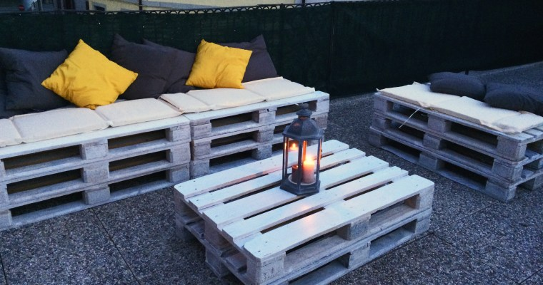 DIY: HOW TO BUILD A PALLET SOFA FOR THE GARDEN