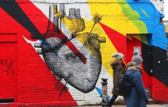 LONDON STREET ART IS TO FALL IN LOVE