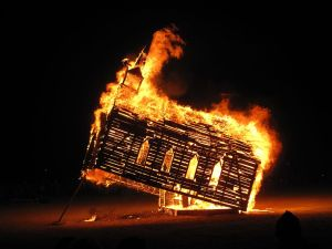 Burning_Man_2013_Church_Trap_fire_9657162677