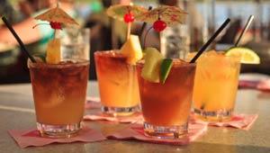 maui-wedding-cocktails-mai-tai-image