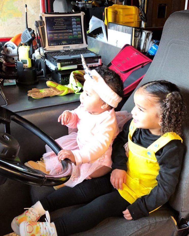 True Thompson Amp Dream Kardashian Visit Fire Station